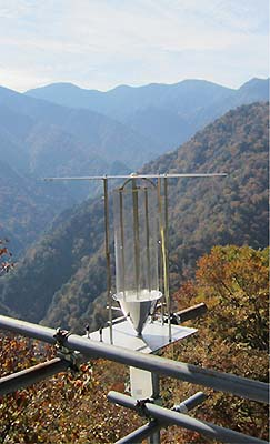 Photo: A fogwater sampler that was set up in the Chichibu Mt.